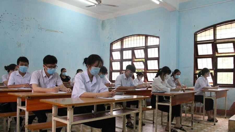 Chia ca, ôn thi miễn phí cho thí sinh chuẩn bị dự thi tốt nghiệp trung học phổ thông