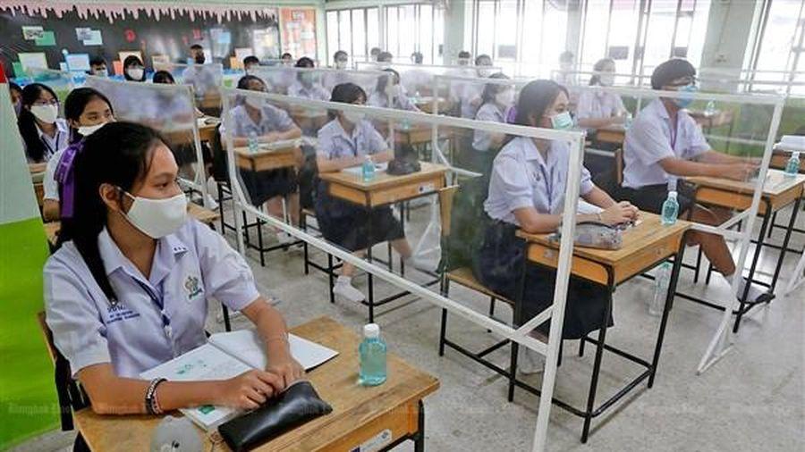 Học sinh Thái Lan vui mừng quay lại trường học