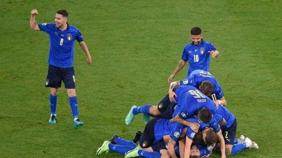 Tiếp tục phô diễn sức mạnh, Italia giành vé sớm vào vòng knock-out EURO 2020