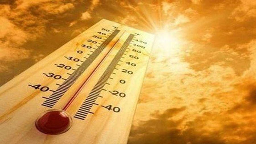 Bắc Bộ và Trung Bộ nắng nóng gay gắt, Nam Bộ có mưa dông với nền nhiệt thấp hơn