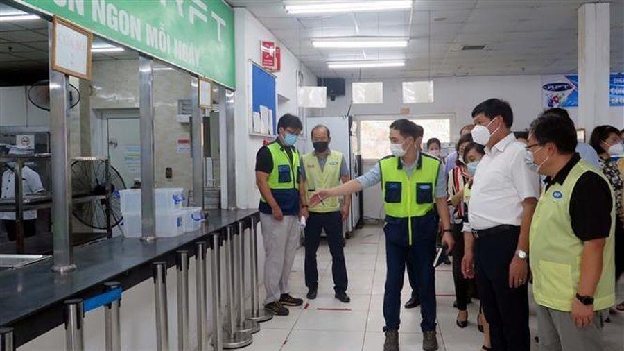 Kiểm tra công tác phòng dịch tại khu công nghiệp ở Thái Nguyên