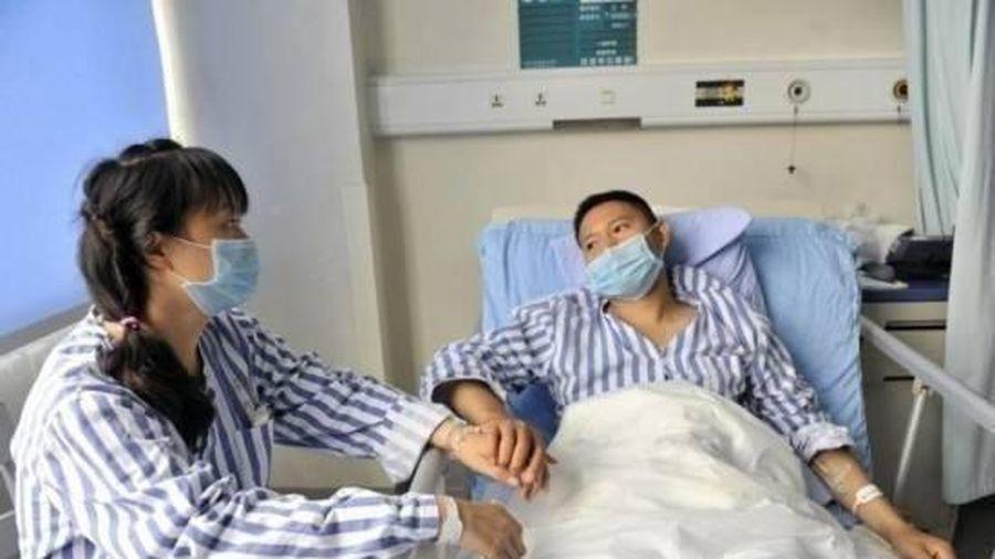 Cả hai vợ chồng đều mắc ung thư phổi, bác sĩ 'tức giận' khi biết lý do