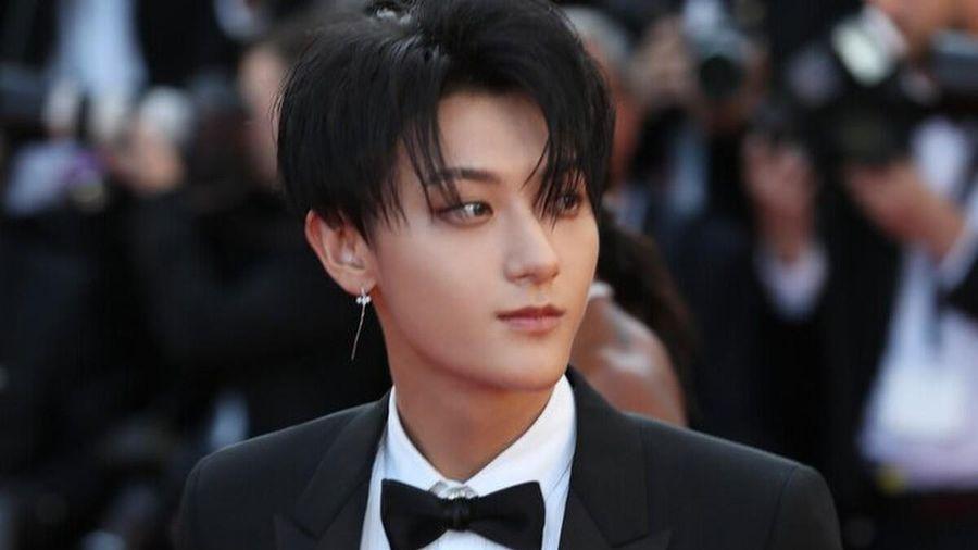 Hoàng Tử Thao bị réo tên khi đăng bài cực gắt, mắng chửi fan không tiếc lời trên MXH