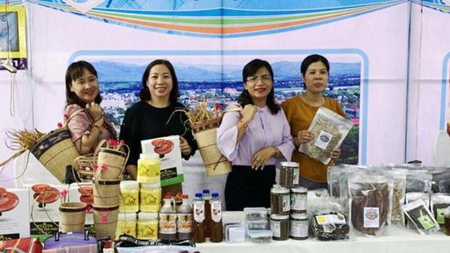 Phụ nữ khởi nghiệp khu vực miền Trung và Tây Nguyên học cách gia tăng giá trị cho sản phẩm