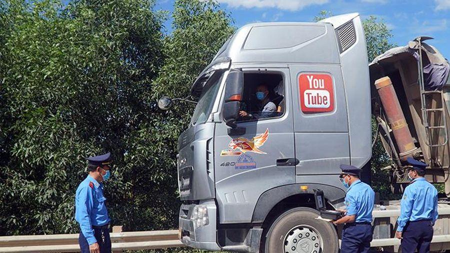 Tăng cường hoạt động kiểm tra và xử lý vi phạm tải trọng phương tiện
