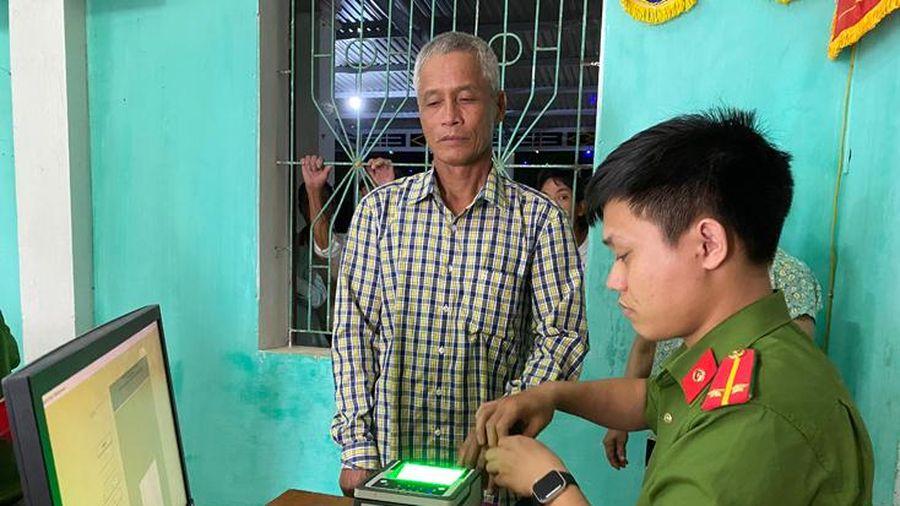 Công an huyện Lệ Thủy: Hoàn thành 90 ngày cao điểm cấp thẻ căn cước công dân gắn chíp điện tử