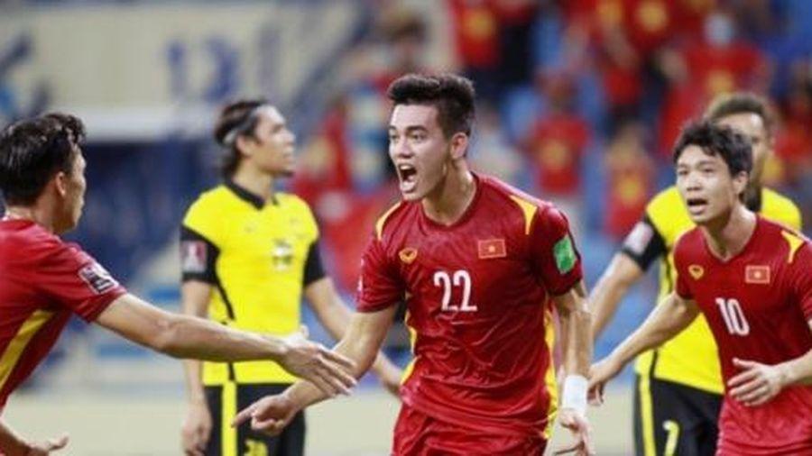Đội tuyển Việt Nam được thưởng 8 tỷ, liệu có phải đóng thuế TNCN?
