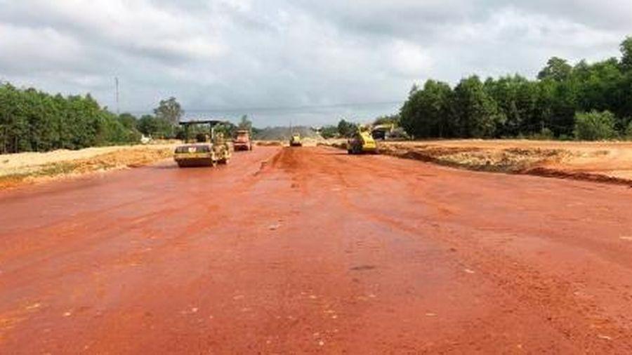 Chính phủ ban hành cơ chế đặc thù khai thác vật liệu thi công cao tốc Bắc Nam