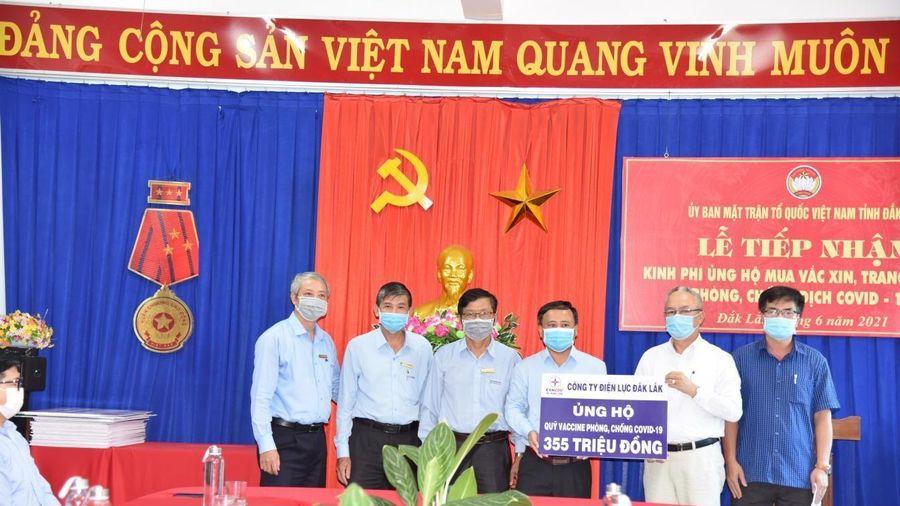 PC Đắk Lắk: Ủng hộ 355 triệu đồng cho Quỹ vaccine phòng chống COVID-19
