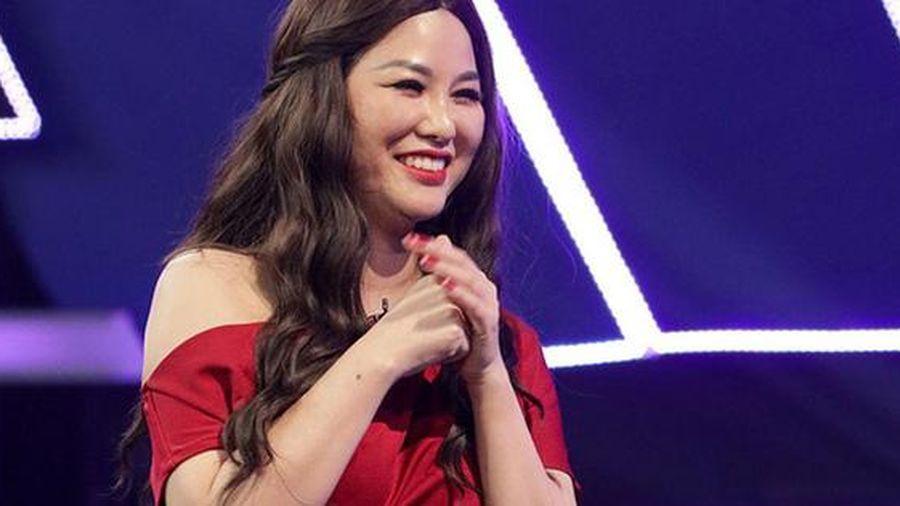 Một nữ nghệ sĩ bất ngờ nêu ý kiến trái chiều vụ Hồ Văn Cường: 'Cứ cho là Phi Nhung lấy tiền cũng chẳng sao cả'