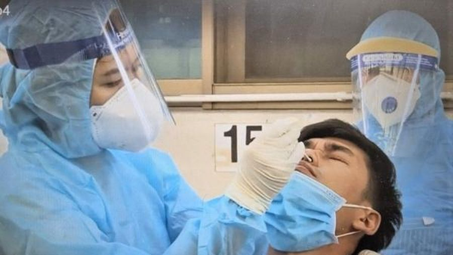TP.HCM lấy mẫu xét nghiệm cho 23.000 người tại khu công nghiệp Vĩnh Lộc