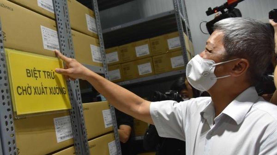 PHÓNG SỰ ẢNH: Cận cảnh nơi bảo quản 836.000 liều vắc xin cho chiến dịch tiêm chủng tại TP. Hồ Chí Minh