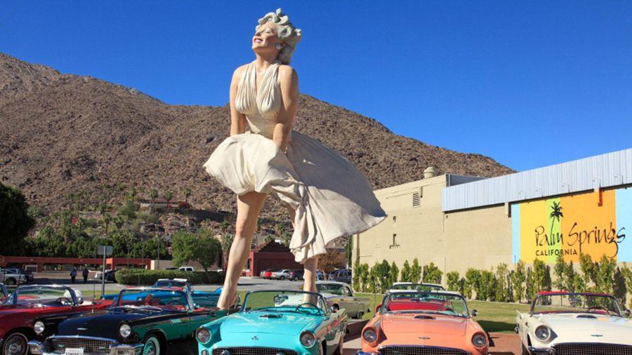 Bức tượng 'Marilyn vĩnh cửu' bị phản đối khi chuyển đến California