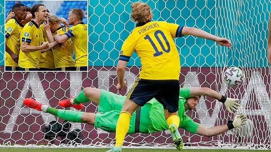 Thụy Điển chật vật hạ Slovakia nhờ bàn thắng từ phạt đền