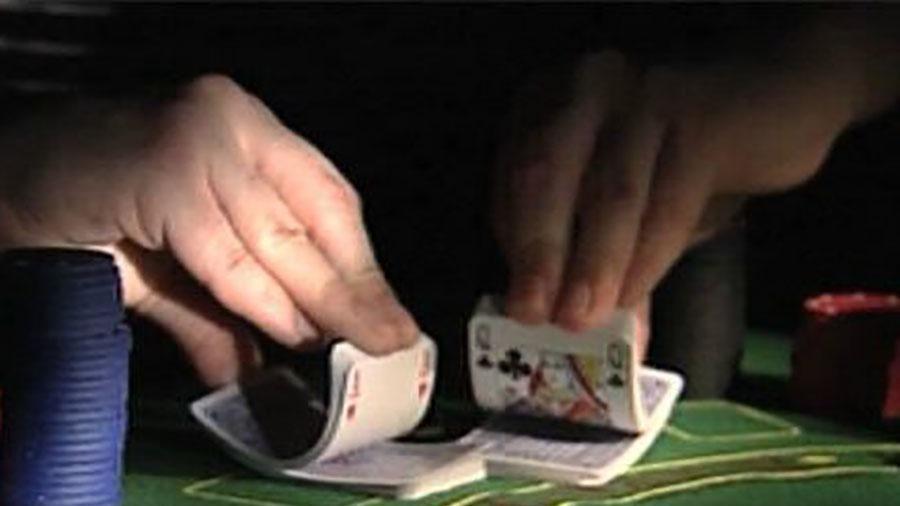 Hàng chục người tụ tập đánh bạc ở Bình Dương đang lúc có dịch