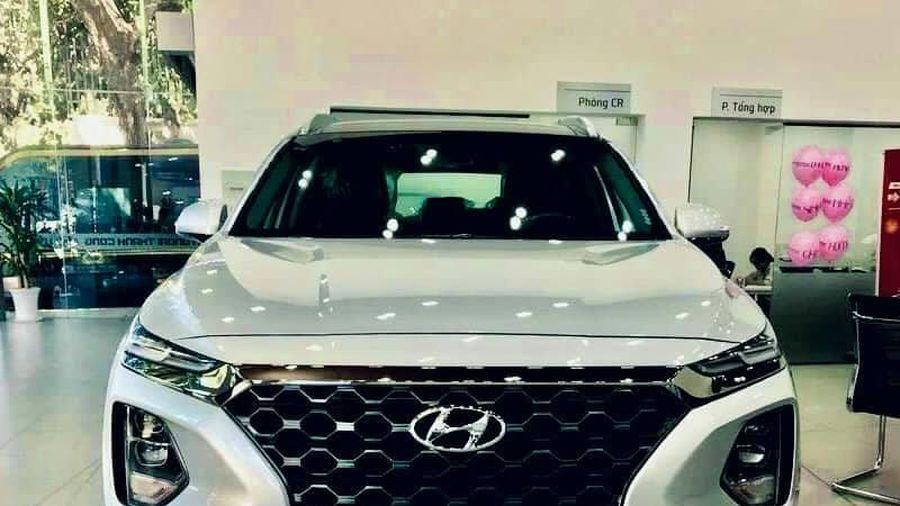 Hyundai SantaFe bất ngờ ưu đãi hơn 140 triệu đồng