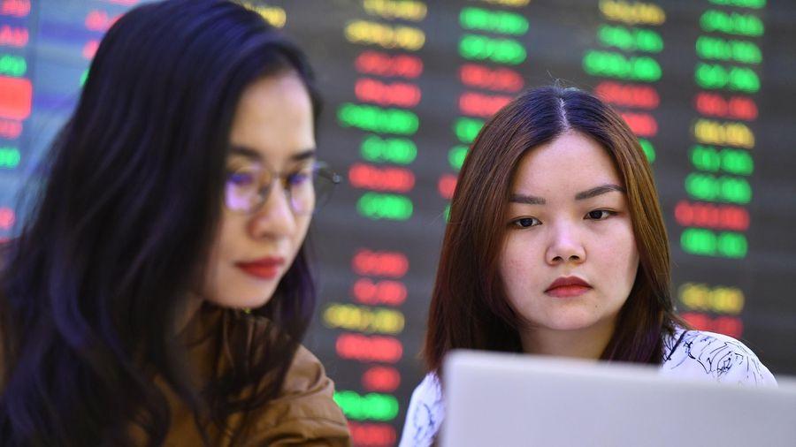 Cổ phiếu chứng khoán còn hấp dẫn?