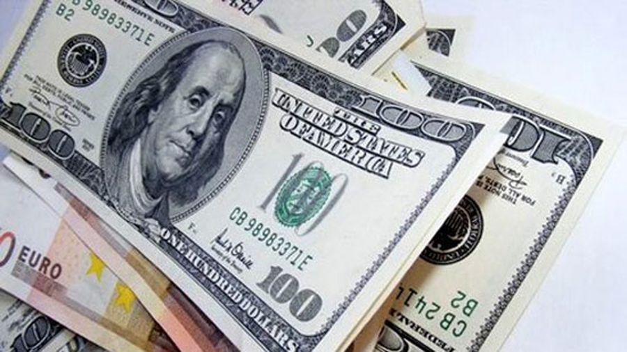 Tỷ giá hôm nay 18/6: Tỷ giá trung tâm và USD trong các ngân hàng vọt tăng mạnh