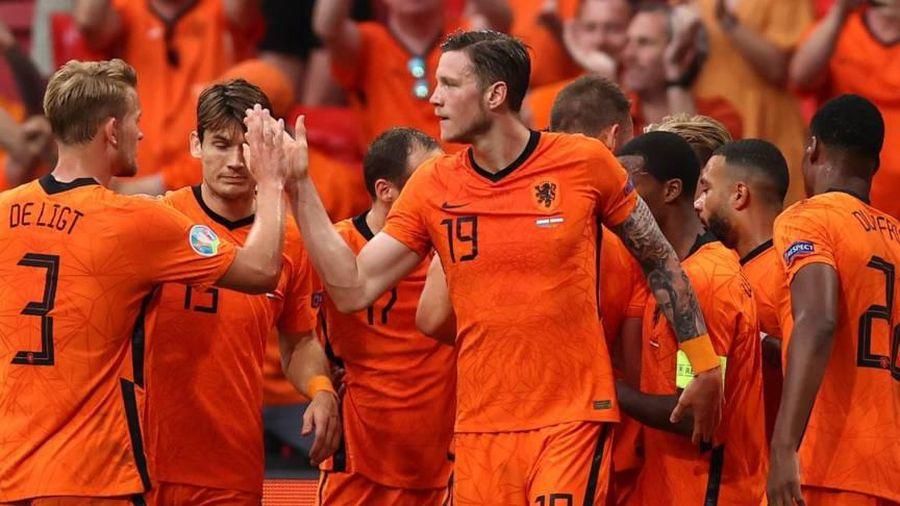 Xác định 3 đội tuyển giành quyền vào vòng 1/8 EURO