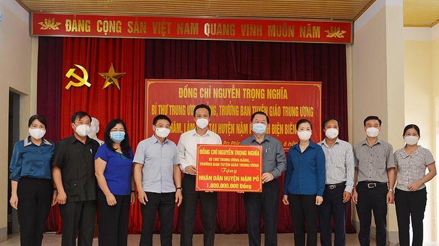 Trưởng Ban Tuyên giáo Trung ương kiểm tra công tác phòng, chống dịch tại huyện Nậm Pồ