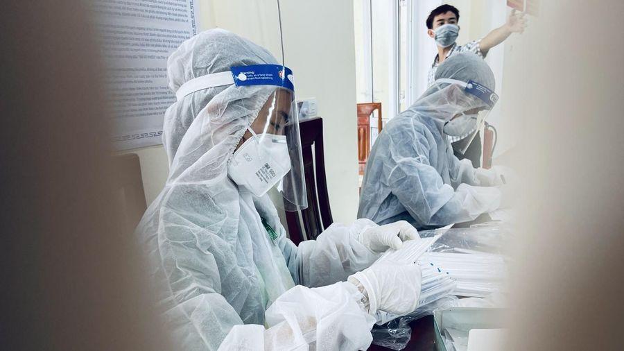 Phát hiện trường hợp F1 nhiễm COVID-19 sau 5 lần xét nghiệm