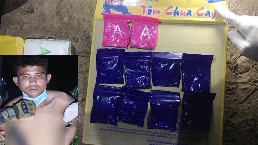 Bắt đối tượng vận chuyển 6.000 viên ma túy tổng hợp qua biên giới