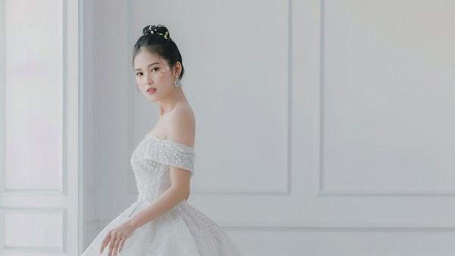 'Ngọt lịm tim' những bộ ảnh cưới phong cách tối giản, tự nhiên