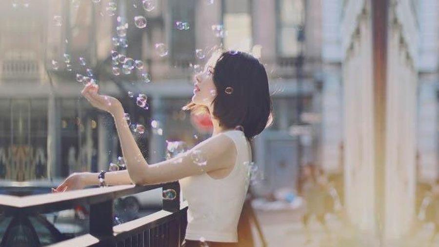 Biết nghĩ cho người khác là một loại trí tuệ, biết sống vì người khác mới là cuộc sống đáng quý