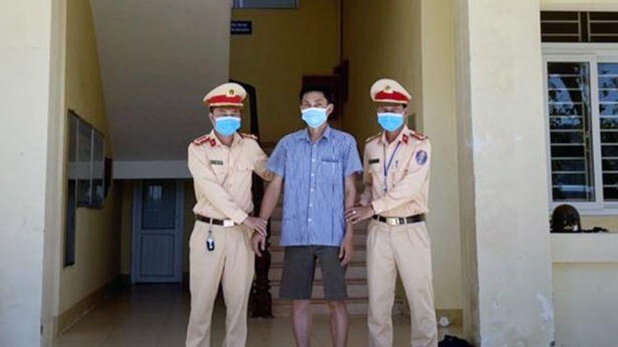 CSGT Hà Tĩnh phát hiện lái xe tải tàng trữ trái phép chất ma túy