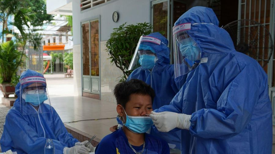 TP Hồ Chí Minh: Dịch âm thầm lây lan trong cộng đồng, người dân nào cũng có thể là F0