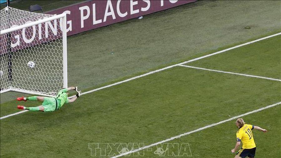 Thụy Điển lấy 3 điểm trước Slovakia nhờ bàn thắng từ penalty