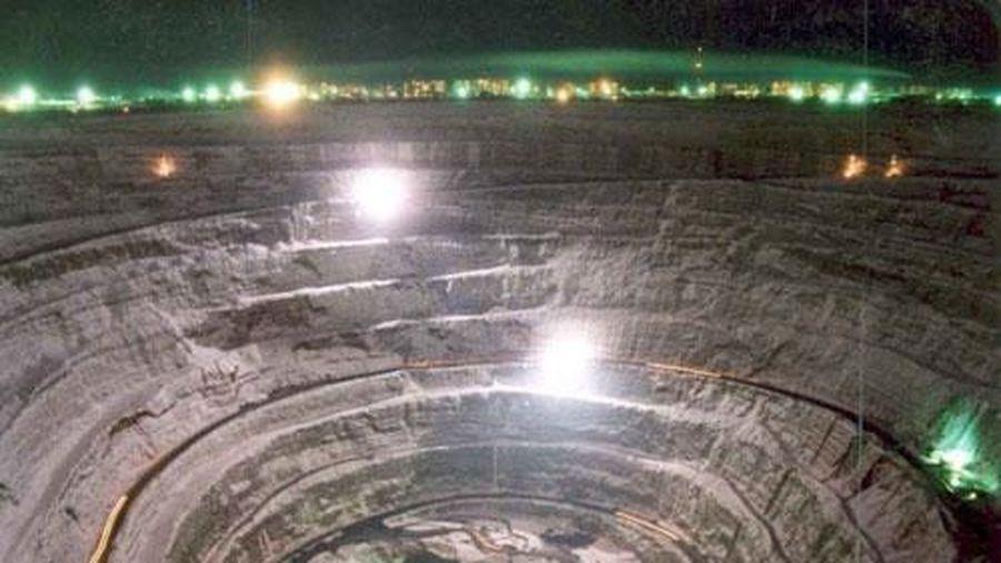 Hố thiên thạch chứa hàng nghìn tỷ carat kim cương ở Nga