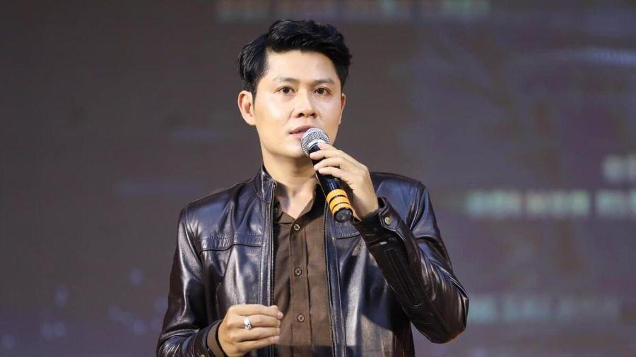 Nguyễn Văn Chung gay gắt khi bị spam ảnh chụp trong group chat nghệ sĩ: 'Thật sự quá tào lao'