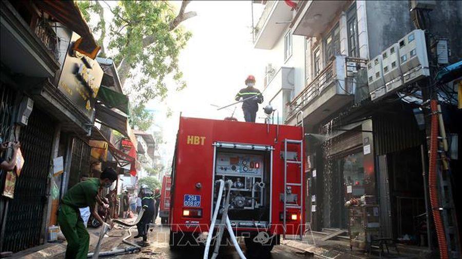 Hà Nội: Khống chế kịp thời vụ cháy nhà tại phố Lương Yên, quận Hai Bà Trưng