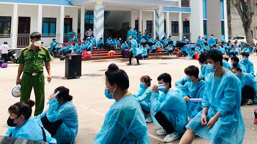 Bắc Giang: Phối hợp chặt chẽ trong quá trình đưa công nhân trở về các tỉnh, thành phố