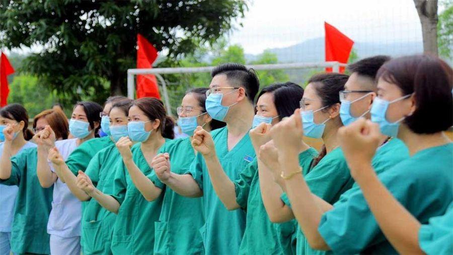 Thủ tướng Chính phủ tặng Bằng khen cho 10 tập thể, cá nhân thuộc Bộ Y tế