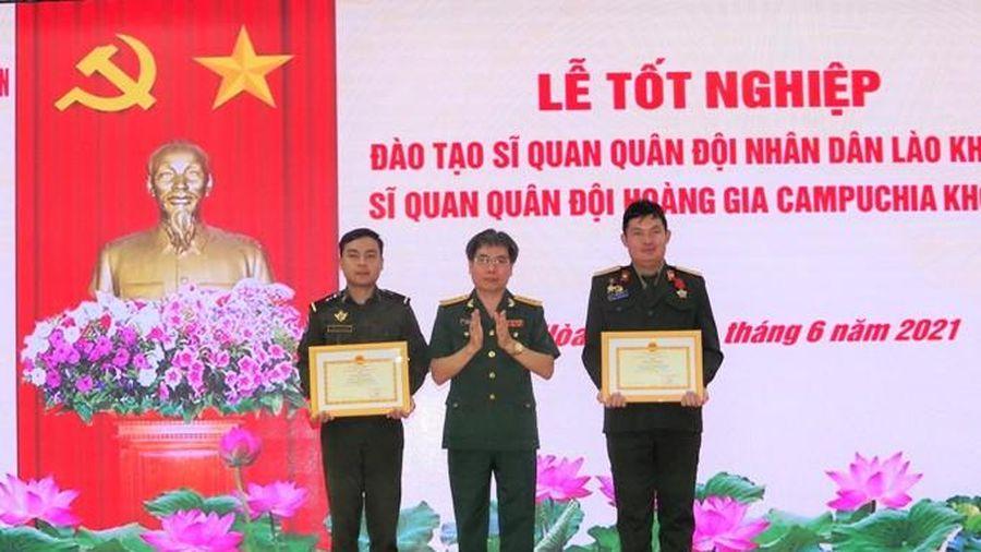 Trường Sĩ quan Thông tin tổ chức lễ tốt nghiệp cho 17 học viên quân đội nước ngoài