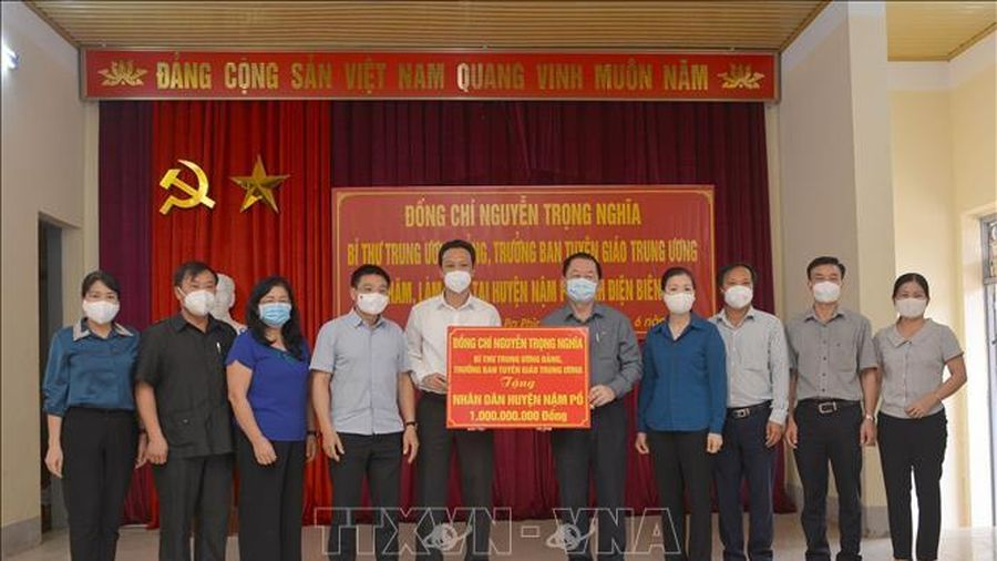 Trưởng ban Tuyên giáo Trung ương làm việc với Ban Thường vụ Tỉnh ủy Điện Biên