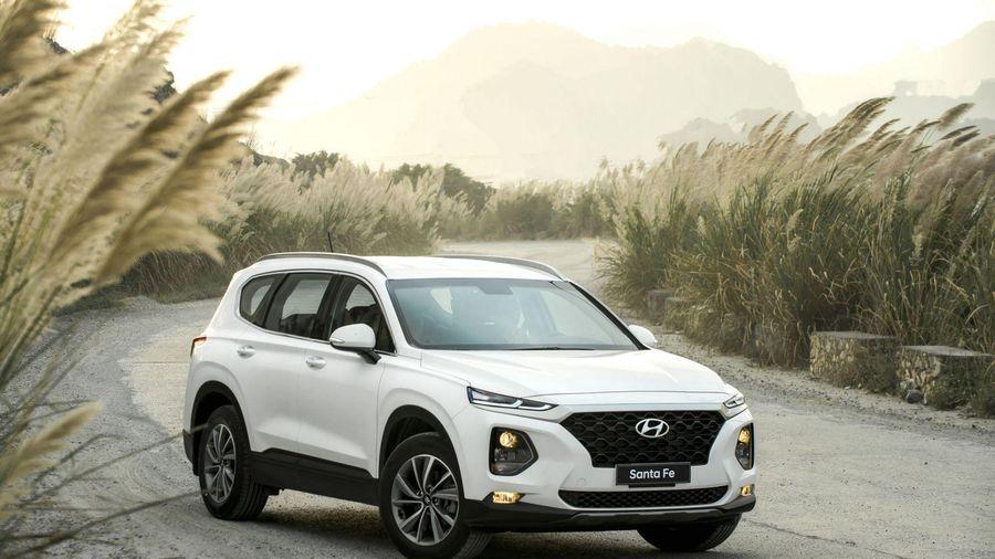 Hyundai Santa Fe thế hệ trước đang được giảm giá lên tới trăm triệu đồng