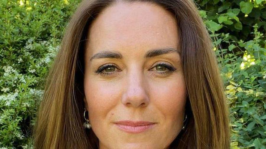 Mặt mộc của Công nương Kate gây chú ý khi ra mắt dự án ấp ủ 10 năm