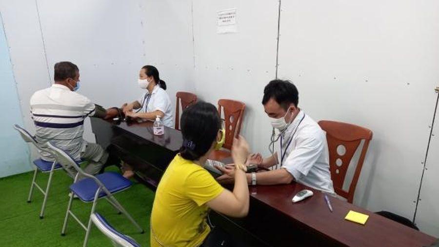 Khánh Hòa đẩy nhanh tiến độ tiêm vắc xin phòng COVID-19