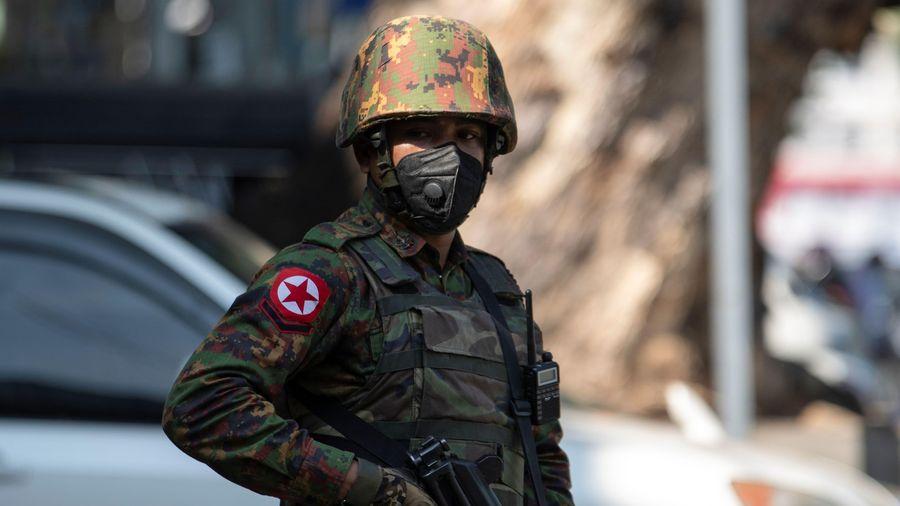 Thông qua nghị quyết kêu gọi dừng chuyển vũ khí cho Myanmar