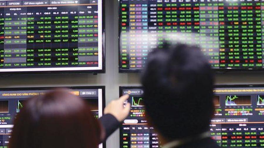 VN-Index lập đỉnh mới, vàng giảm giá
