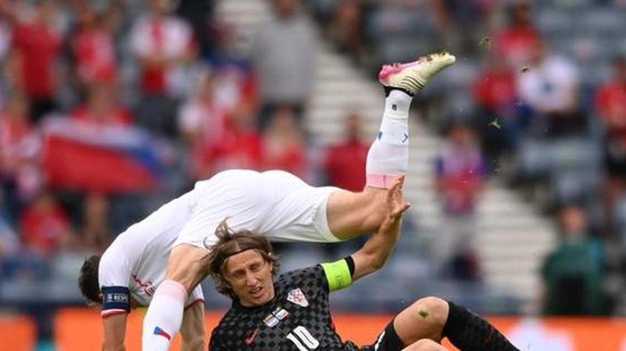 Modric bị phong tỏa, Croatia chấp nhận chia điểm trước Czech