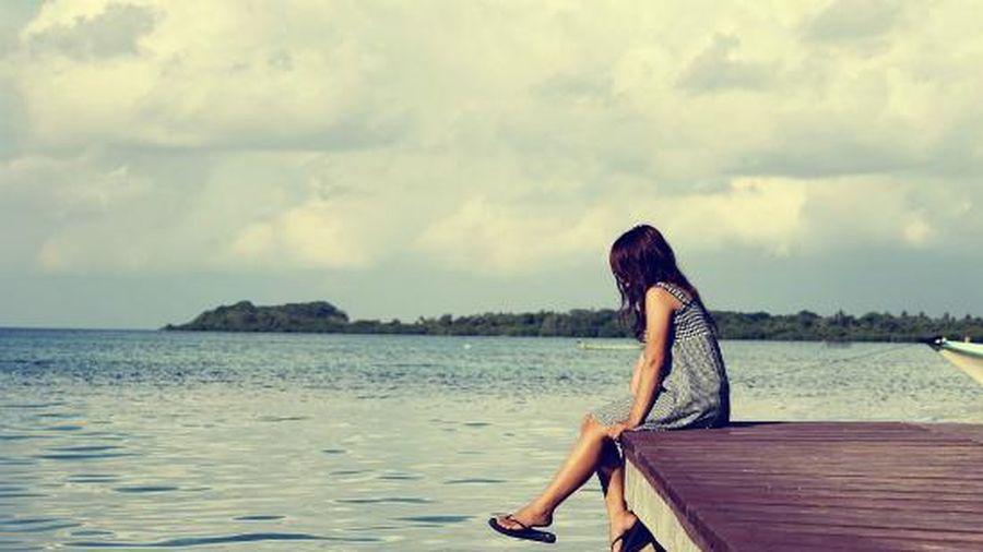 Đừng cố làm hài lòng người khác, bỏ 5 điều này để cuộc sống 'dễ thở'