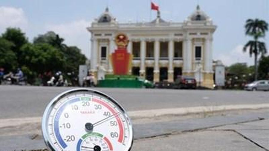 Hà Nội nắng nóng gay gắt 40 độ C