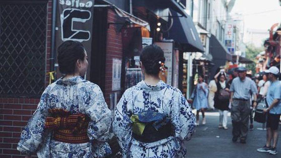 Tại sao khi mặc Kimono, phụ nữ Nhật Bản cần thắt một chiếc 'gối' sau lưng? - Tiết lộ bí mật của người mặc