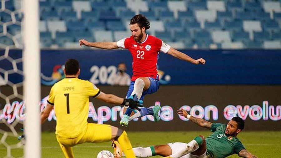 Đánh bại Bolivia, Chile vươn lên ngôi đầu bảng