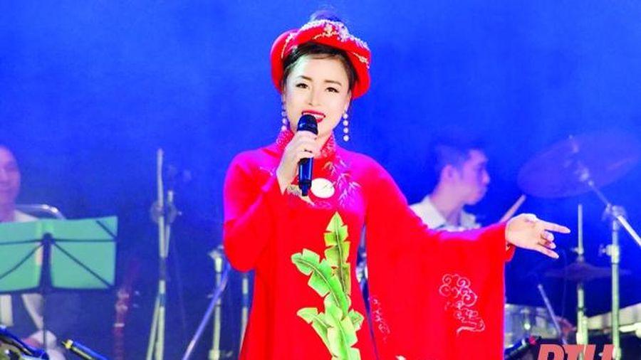 Quỳnh Trang hát dân ca bằng cả tình yêu quê hương Thanh Hóa