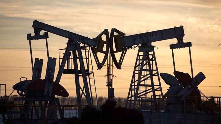 Giá dầu tăng 4 tuần liên tiếp vì triển vọng cầu lớn hơn cung